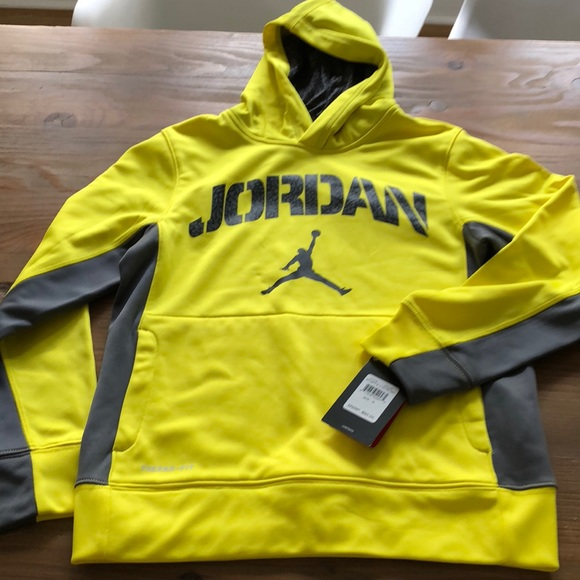 c5287285d3e0e8 Nike Air Jordan medium hoodie NWT boys 10 12